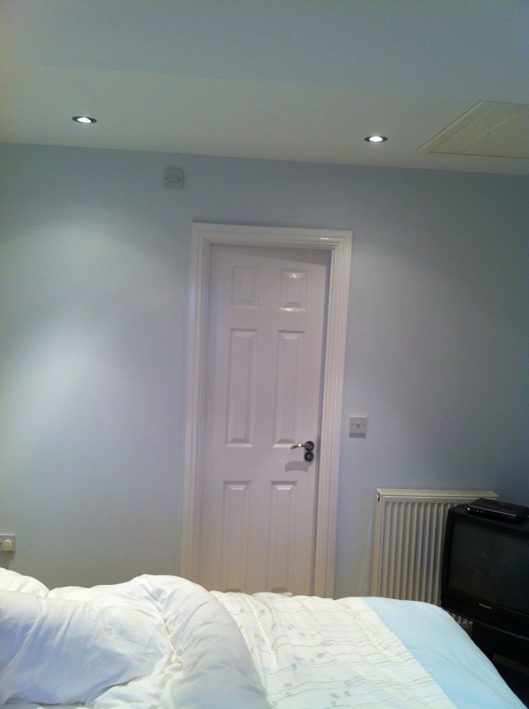room gloss frame - ISDecs Painting & Decorating Rotherham Sheffield Leeds